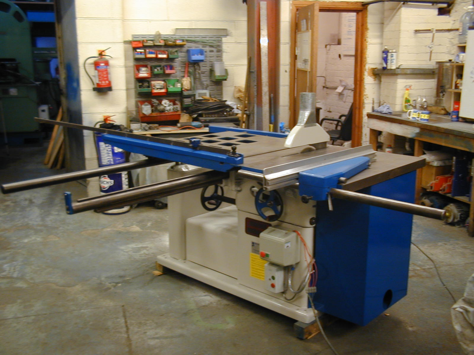 Wadkin BGPS sliding table panel saw